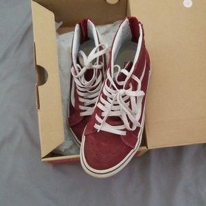 Vans Sk8-hi zip Maroon color